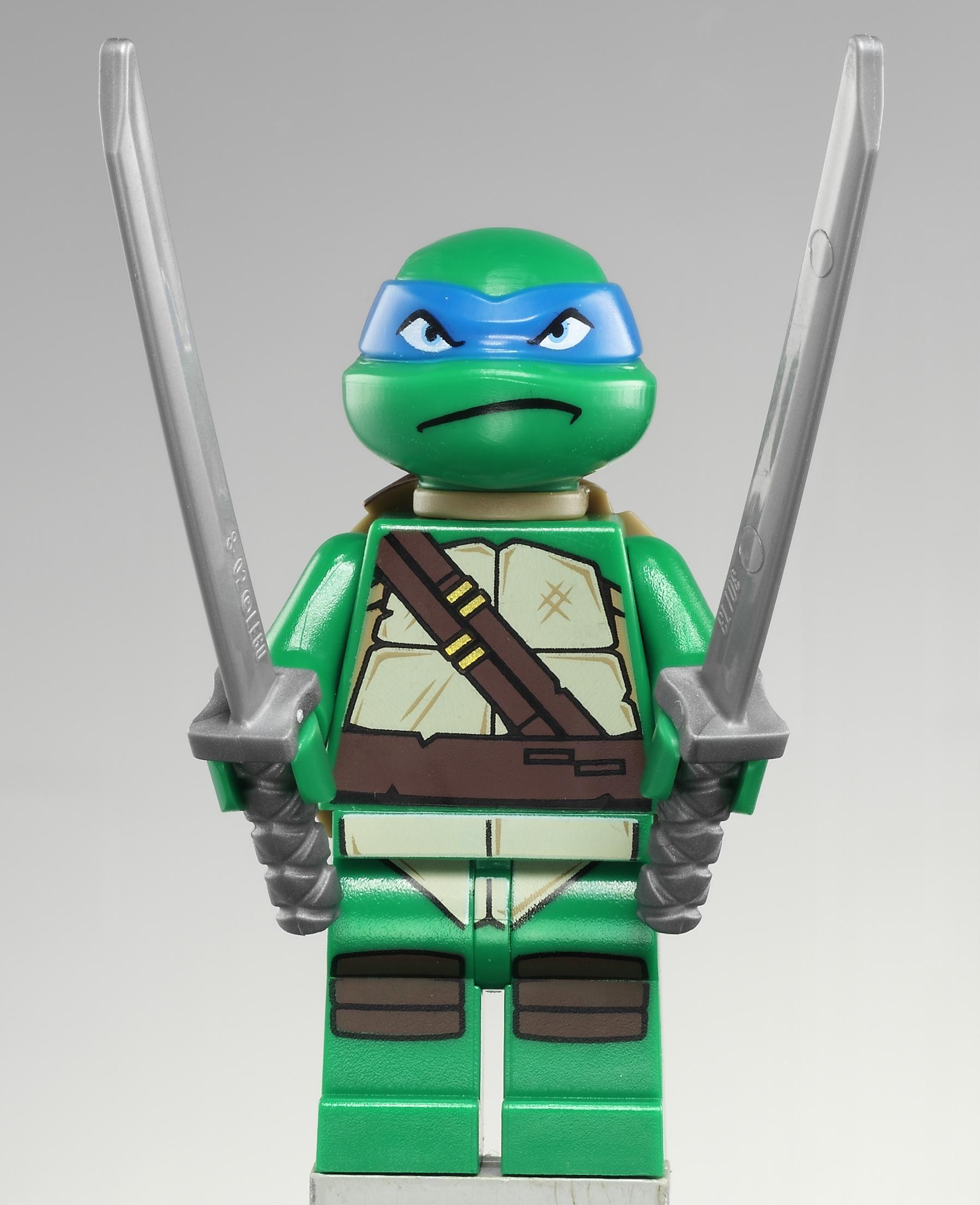 pin lego ninja turtles leonardo tortues 2013 on pinterest. Black Bedroom Furniture Sets. Home Design Ideas