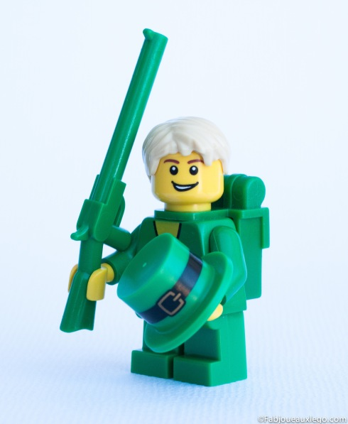 Lego-Minifigure-Monochrome-Photo-Vert