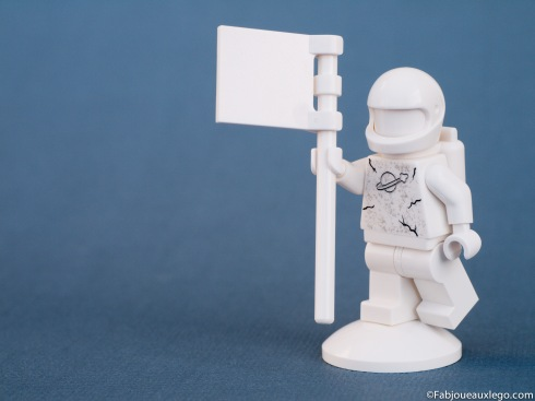 Lego-Space-Police-Statue-Espace