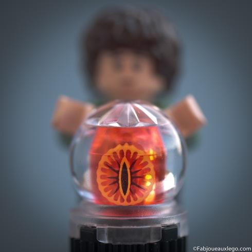 Lego-Seigneur-des-Anneaux-Frodon-Palantir